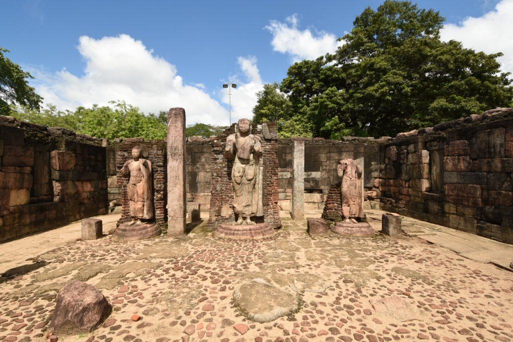 Die Buddhas im Atadage