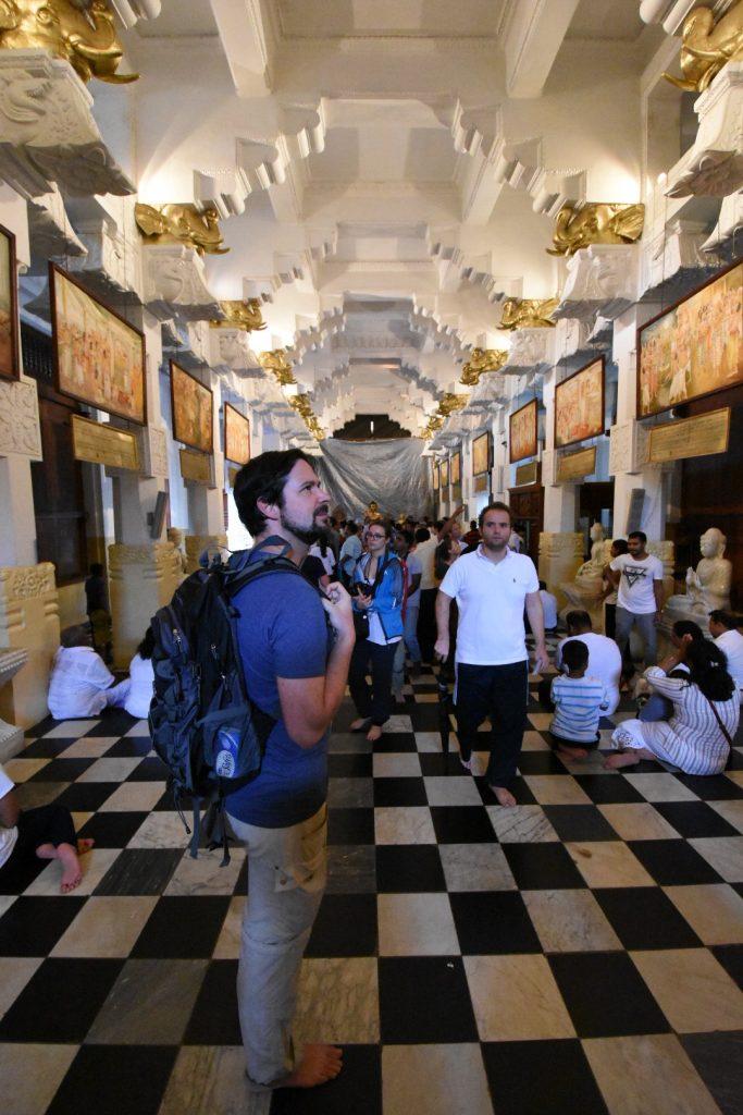 Die von Thailand gesponserte New Shrine Hall