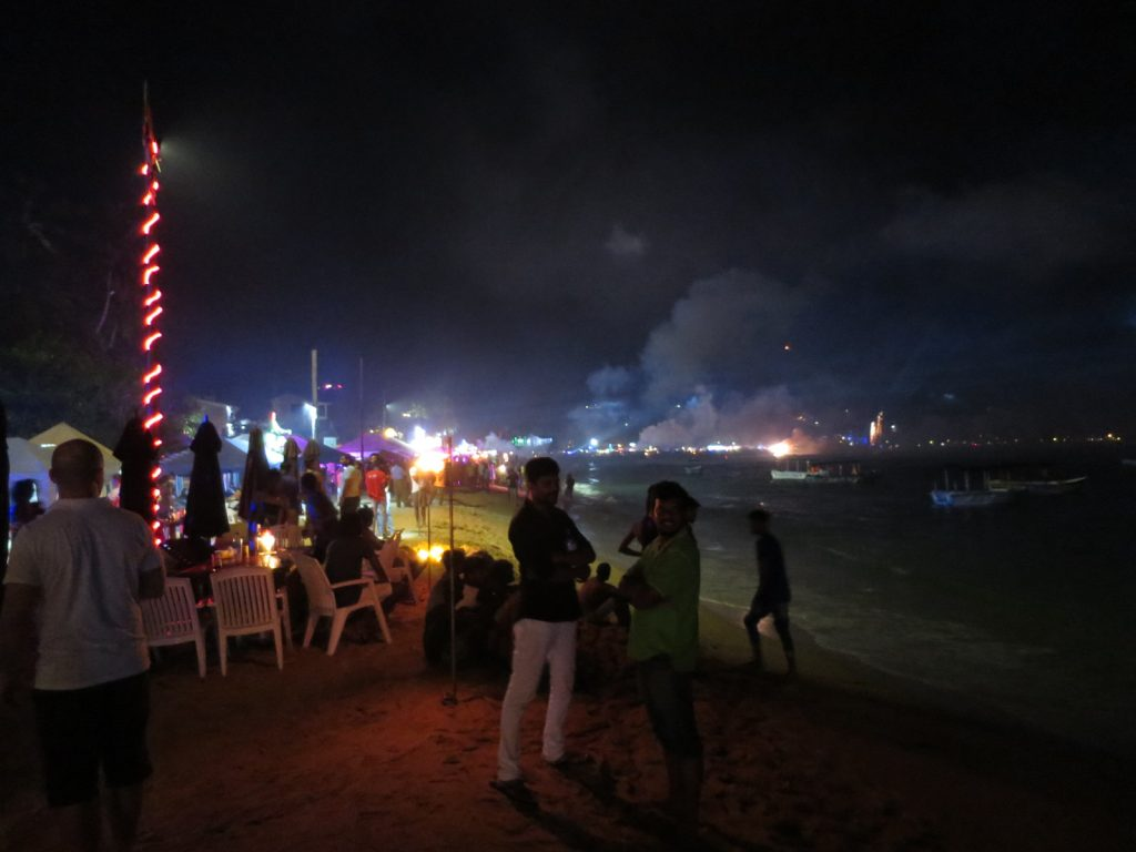 Feuerwerk am Strand