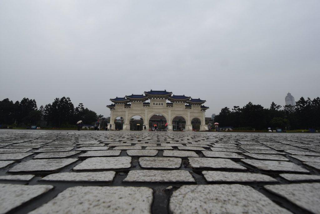 Das Haupttor zum Memorial