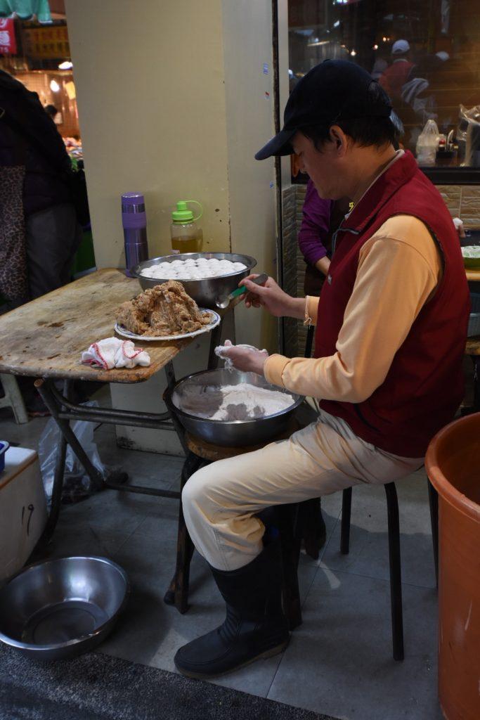 """So entstehen die """"Taiwanese Dumplings"""""""