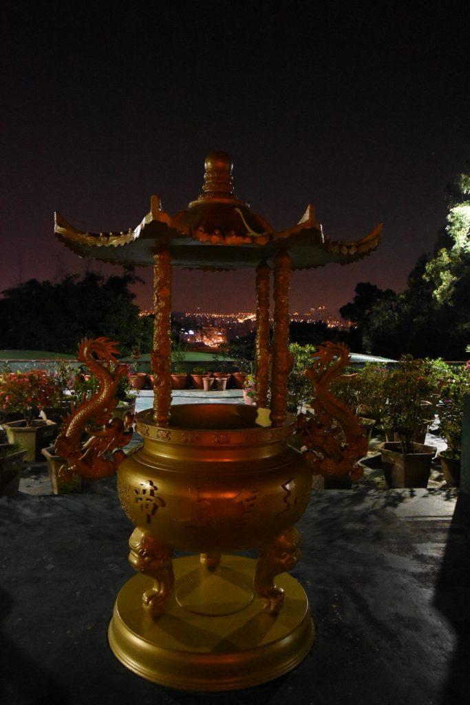 Auch der Elephant Rock ist voll mit Tempeln