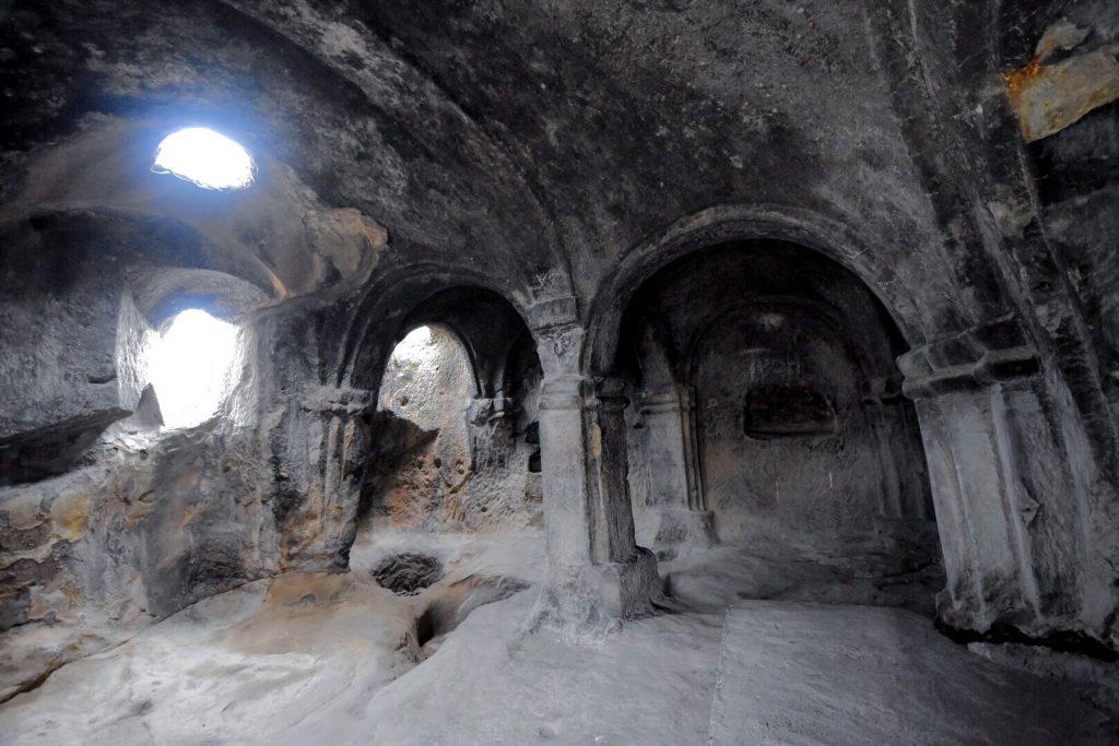 Säulen und Gewölbe